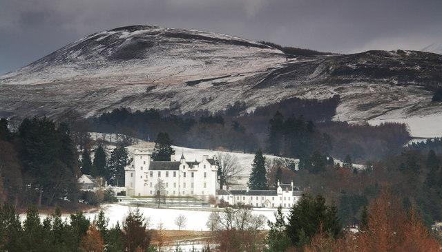 Blair_Castle,_Blair_Atholl,_Perthshire_-_geograph.org.uk_-_1496007